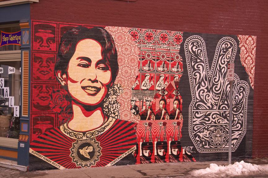 http://morristsai.com/blogpics/Aung-San-Suu-Kyi.jpg