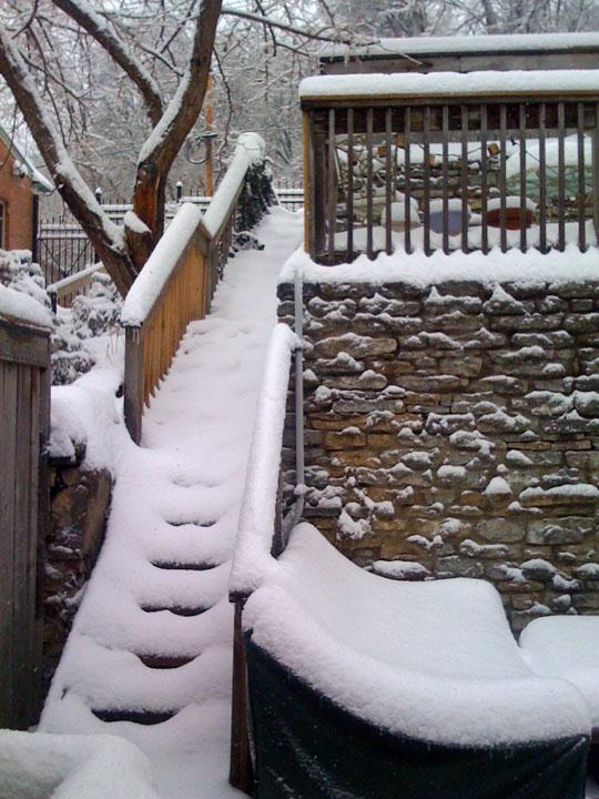 http://morristsai.com/blogpics/Snow012808.jpg