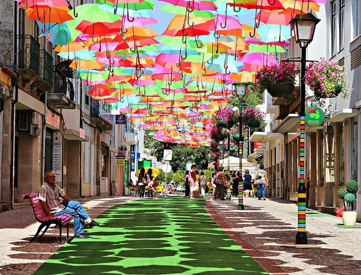 http://morristsai.com/blogpics/Umbrellas.jpg