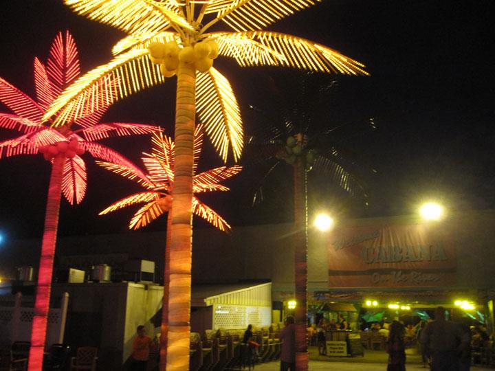 http://morristsai.com/blogpics/cabanaontheriver11.jpg