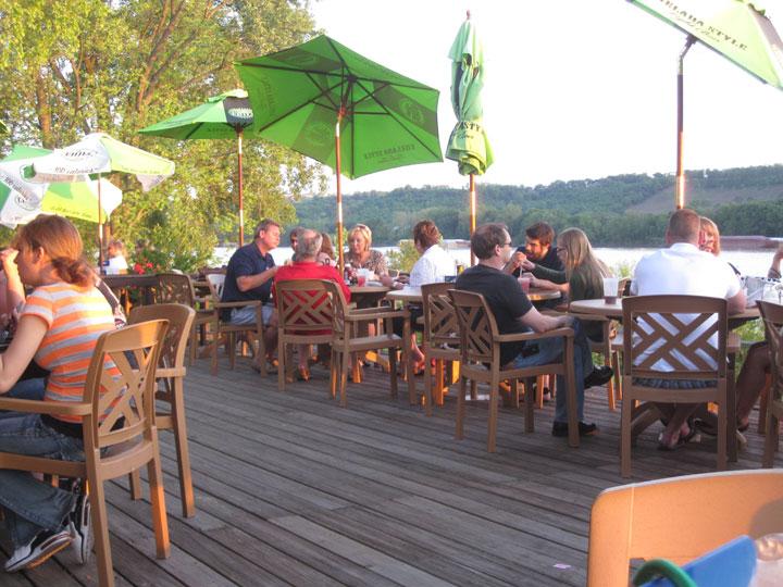 http://morristsai.com/blogpics/cabanaontheriver9.jpg